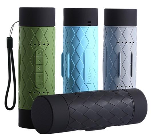 Vandtæt og stødsikker bluetooth højtaler og powerbank i et.